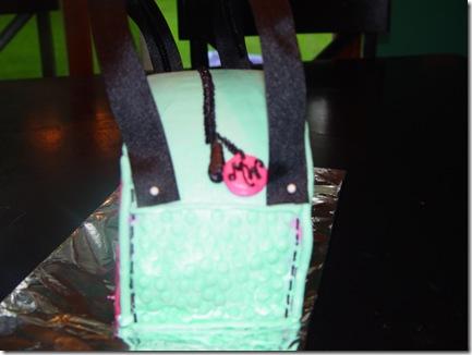 Maddie's cake 020